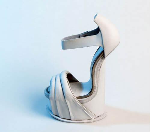 sepatu hak tinggi cantik