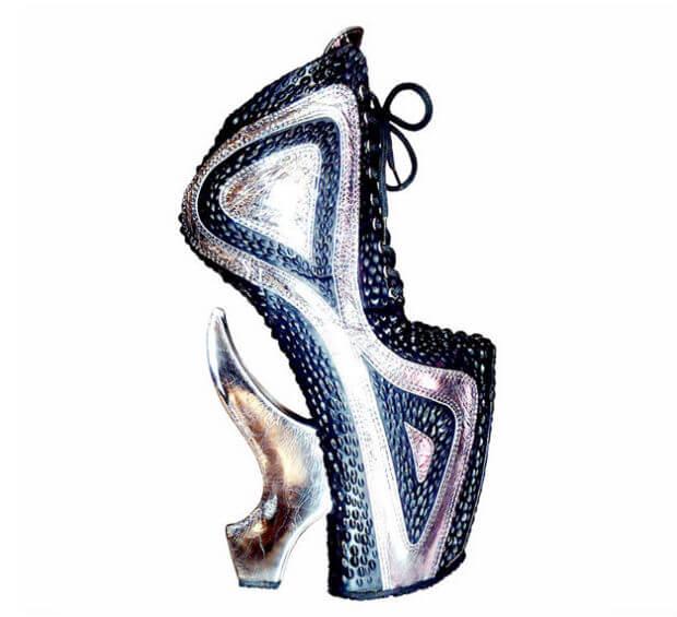 foto sepatu high heels hak tinggi